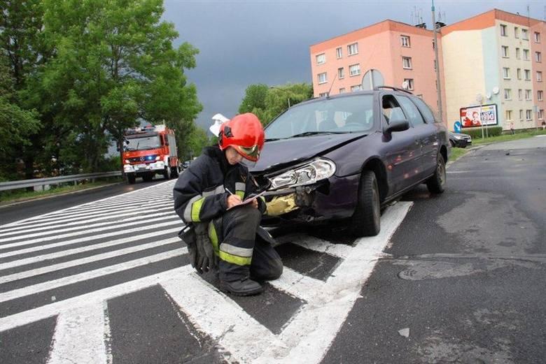 Trzy auta zderzyły się na skrzyżowaniu Fabrycznej z Armii Krajowej