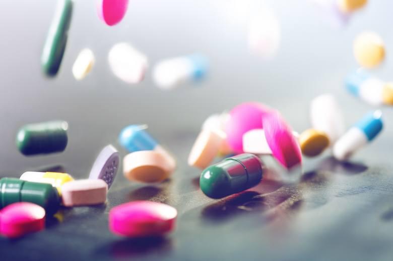 Farmakologiczne leczenie problemów z płodnością polega na stosowaniu leków o działaniu stymulującym wystąpienie owulacji. Przy czym jak wykazują badania