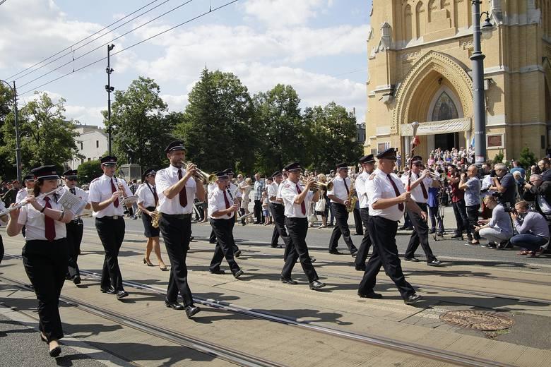 Święto Wojska Polskiego w Łodzi. Parada wojskowa na Piotrkowskiej ZDJĘCIA