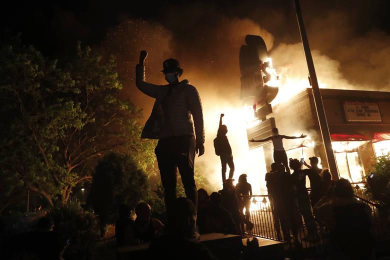 Zamieszki w Minneapolis. Donald Trump ogłosił, że USA uznają radykalną organizację anarchistyczną Antifa za ugrupowanie terrorystyczne