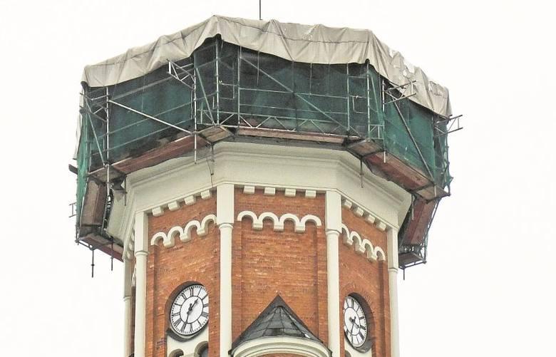 Na odbudowę wieży kościoła św. Wojciecha parafia dostała w lutym 700 tys. zł od ministra kultury. Teraz ksiądz wystąpił o wsparcie również do wojewódzkiego