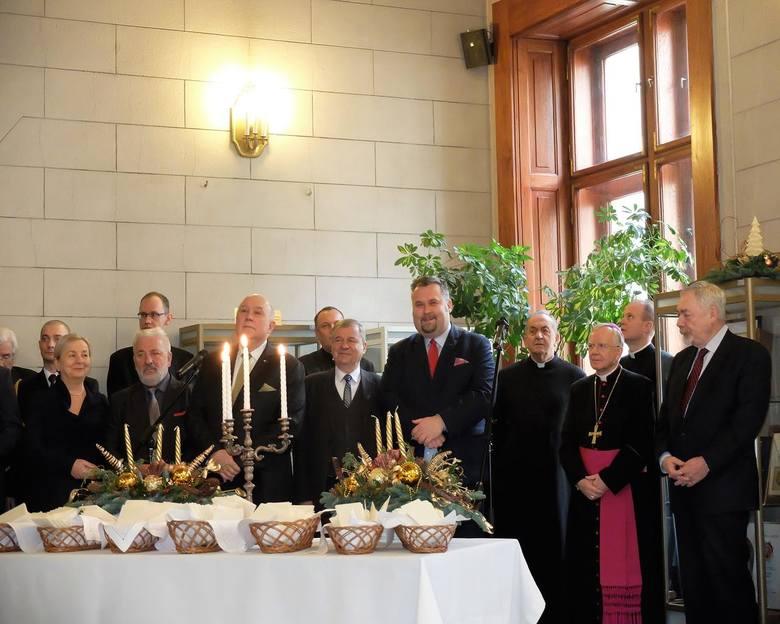 Kraków. Przed Sesją Rady Miasta - spotkanie opłatkowe w krakowskim magistracie