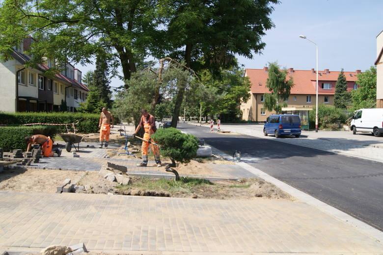Nasi  Czytelnicy alarmują, że przebudowa ulicy Piaskowej pozostawia sporo do życzenia