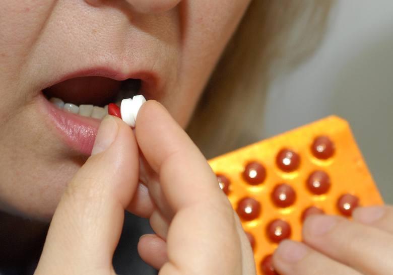 Leki, jakie lekarze przepisują znerwicowanym pacjentom to jedynie środki doraźne. Nerwicowe zaburzenia ustąpią na dobre, gdy usunięta zostanie ich p