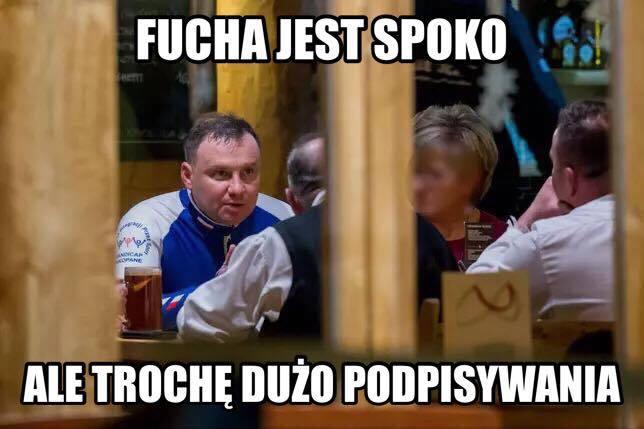 Dokładnie 6 sierpnia 2018 Andrzej Duda został zaprzysiężony na Prezydenta RP. Od tego momentu Internet zalała prawdziwa fala memów z Prezydentem Dudą.
