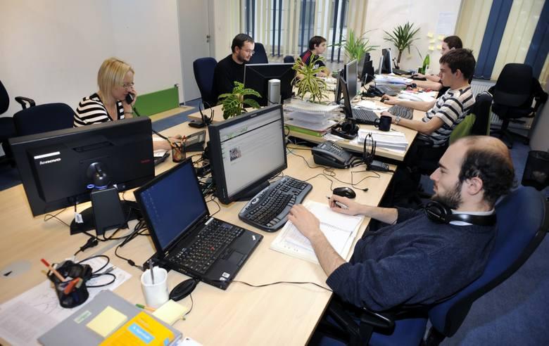 Nowy kodeks pracy. W 2020 r. wyższy ZUS, zmiany w urlopach wypłatach za godziny nadliczbowe, dodatek stażowy i za wysługę lat [14.10.2019 r.