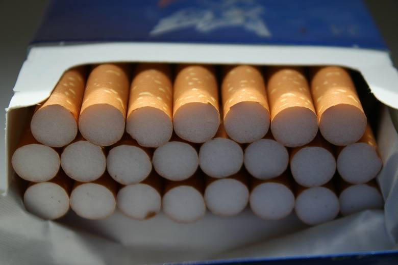 """""""Dlaczego właściwie palisz""""? Jeśli zadasz to pytanie osobie palącej, najpewniej usłyszysz pełną przekonania odpowiedź typu: """"to mnie uspokaja"""" lub """"palenie"""
