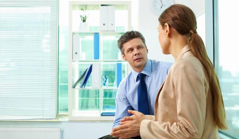 Nie martw się, jeśli podanie o podwyżkę początkowo zostanie odrzucone. Tego typu negocjacje nigdy nie są łatwe. Twój szef po pewnym czasie zrozumie,
