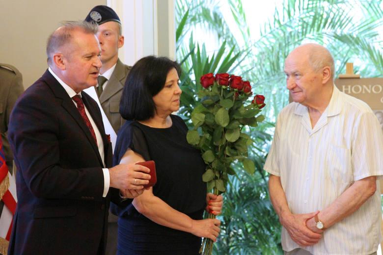 Mirosław Kulesza to człowiek orkiestra. Przez niemal 50 lat angażował się w życie Ciechanowca i został za to nagrodzony.