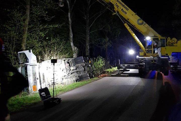 Do wypadku doszło we wtorek w miejscowości Lewkowo (pow. hajnowski), na DW 687 przewrócił się samochód ciężarowy przewożący 9,6 ton gazu propan buta