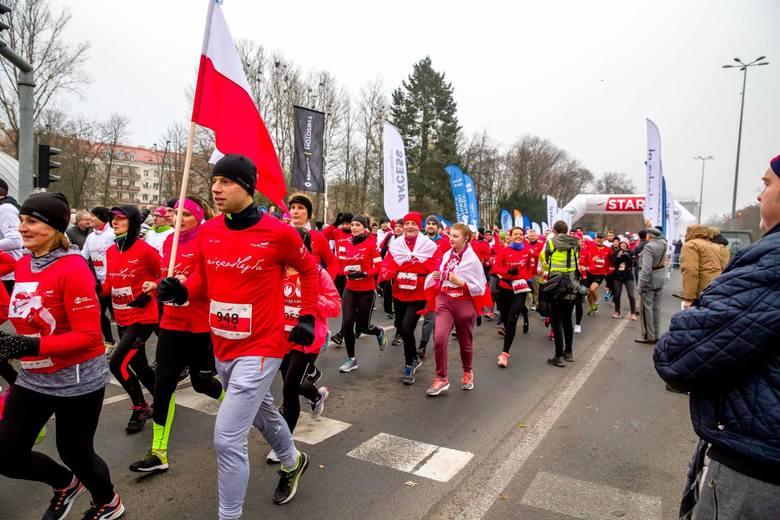 Ponad 1,4 tysiąca osób pobiegło w niedzielę dla Niepodległej