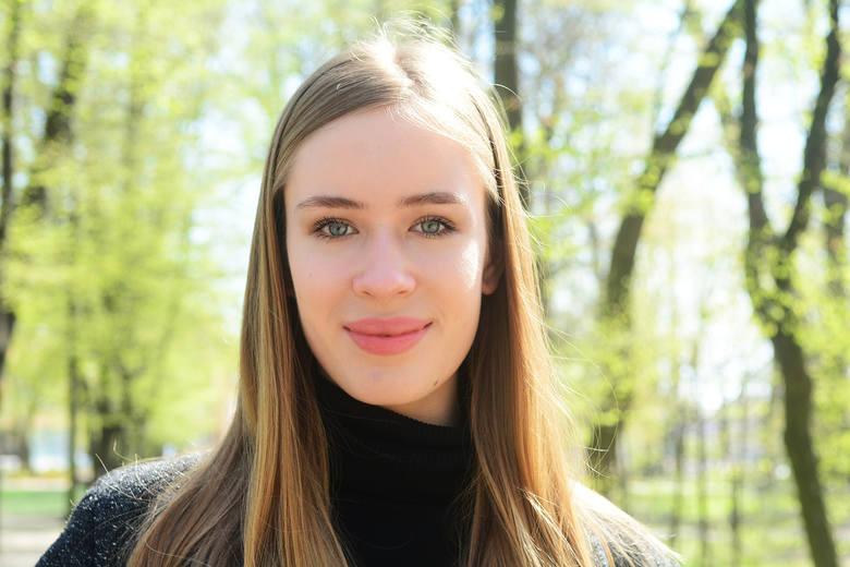 Anna Wójcik to kandydatka do korony z numerem 14. Ma 18 lat i jest uczennicą III Liceum Ogólnokształcącego imienia Dionizego Czachowskiego w Radomiu.