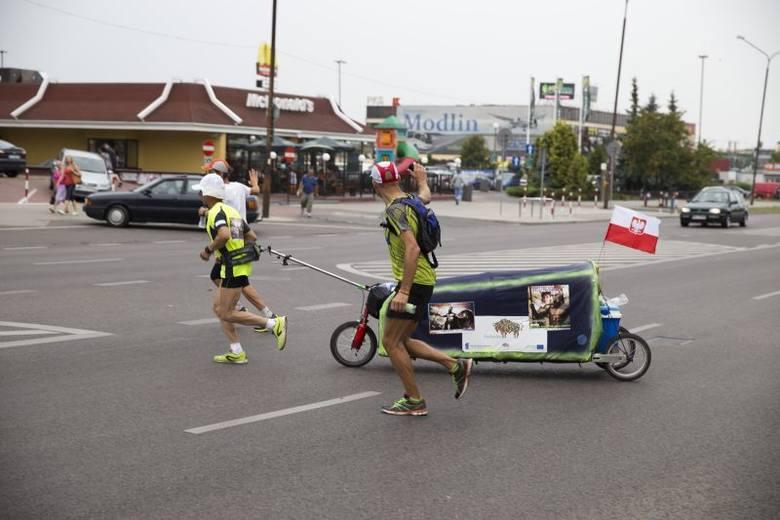 Piotr Kuryło pobiegł do Aten. Przez Białystok (zdjęcia)