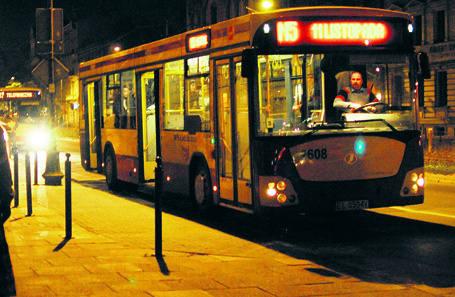 Nocne autobusy mają kursować co godzinę.