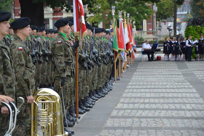 W sobotę, 1 września, Zielona Góra uczciła 79. rocznicę wybuchu II wojny światowej. Obchody rozpoczęły się mszą święto o godzinie 11.00 w kościele pw.