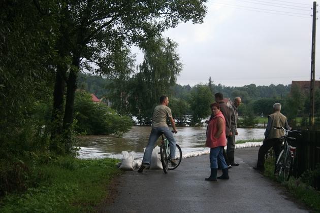 Złotoryję zalewa potok, Zagrodno tonie (ZDJĘCIA)