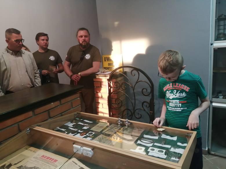 Mikromuzeum - Galeria Historii w Koprzywnicy oficjalnie otwarta. Można zobaczyć setki przedmiotów sprzed 1945 roku. Okazją do otwarcia Galerii była I