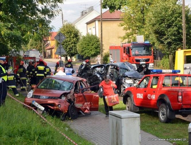 Grajewo. Wypadek na ul. Piłsudskiego. Karambol na ul. Piłsudskiego. Zderzyło się 6 pojazdów (zdjęcia)