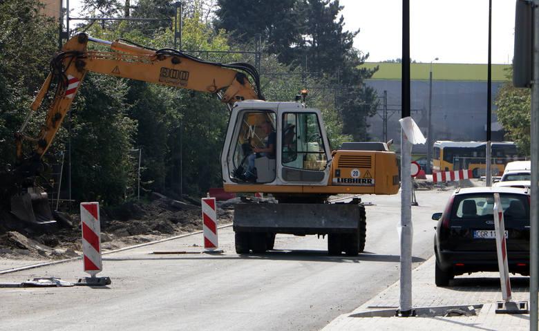 Do końca 2020 roku powinien zakończyć się trwający od końca maja remont ulic Królewskiej i fragmentu Rapackiego. Prace wykonuje tutaj załoga Przedsiębiorstwa