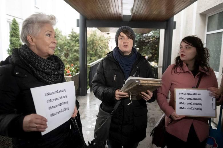 Zebrano i złożono 16 tys podpisów. Petycje o odwołanie skargi kasacyjnej w sprawie odszkodowania dla ofiary księdza pedofila skierowano do Towarzystwa Chrystusowców. Podpisy złożono w środę w siedzibie Chrystusowców na Ostrowie Tumskim.