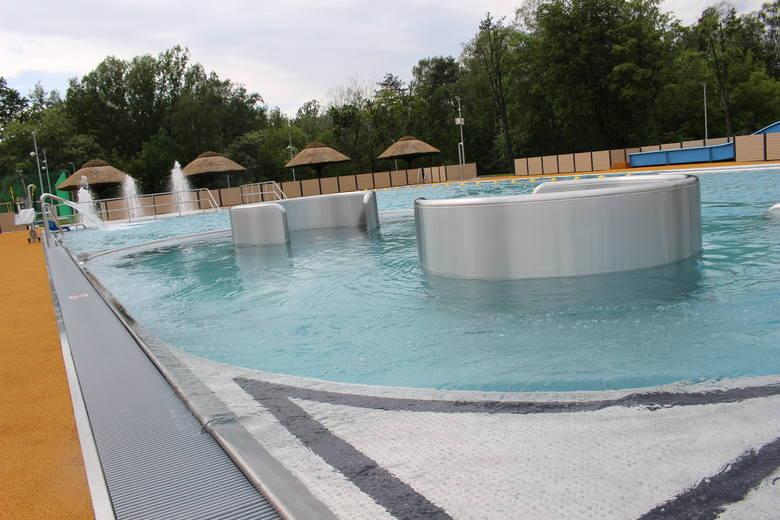 Nowy basen w Kędzierzynie-Koźlu. Wodne Okko na osiedlu Azoty. To jeden z najnowocześniejszych kompleksów na Opolszczyźnie [zdjęcia]