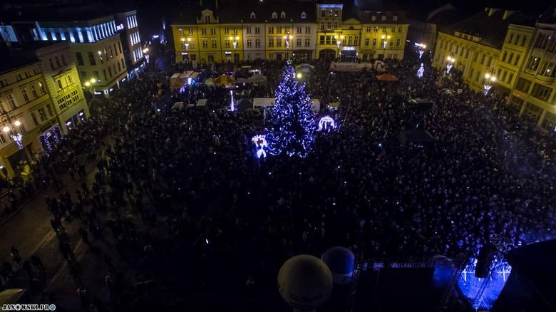 Nasz Czytelnik Łukasz Janowski przesłał nam zdjęcia z bydgoskiego finału WOŚP. Zobaczcie jak wyglądało niebo nad Bydgoszczą w niedzielny wieczór.