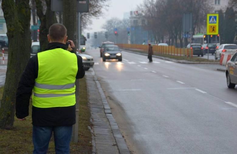 Policja kontrolowała przejścia dla pieszych. Mandaty dla kierowców i pieszych (zdjęcia)