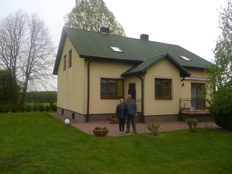 Powiat kielecki: Dariusz Radomski z Rakowa, prowadzi gospodarstwo o powierzchni 21,6  hektara, o produkcji zwierzęcej i roślinnej