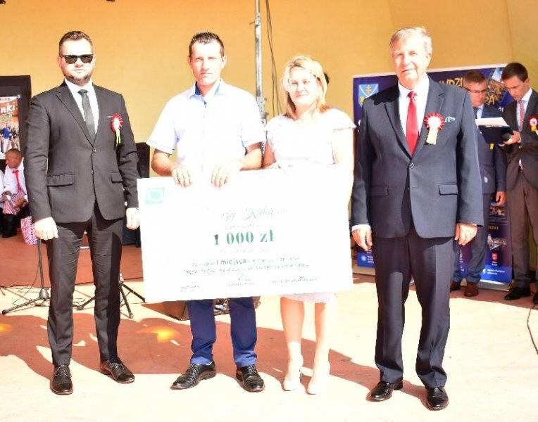Konkursy i loteria fantowa podczas Dożynek Powiatu Staszowskiego 2019 w Bogorii (NOWE ZDJĘCIA)