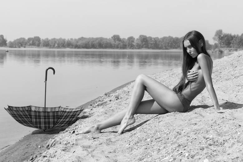 Nie trzeba wyjeżdżać nad polskie morze, aby skorzystać z uroków opalania się w negliżu. W kujawsko-pomorskim można znaleźć kilka miejsc, w których bez