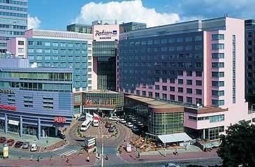 Przez długie lata jedyny hotel tej marki w Polsce. Mieści 369 pokoi i apartamentów.