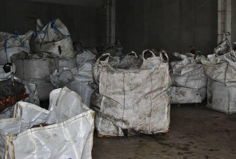 (jac)Jeden ze wschowskich przedsiębiorców został oszukany przez 41-letniego mieszkańca Kalisza, od którego od jesieni ubiegłego roku kupował worki, tzw.