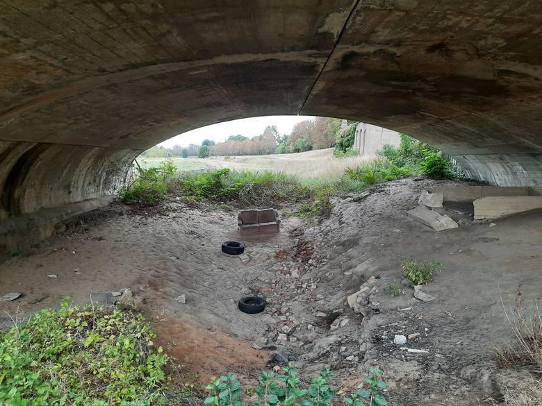 Pod Długim Mostem