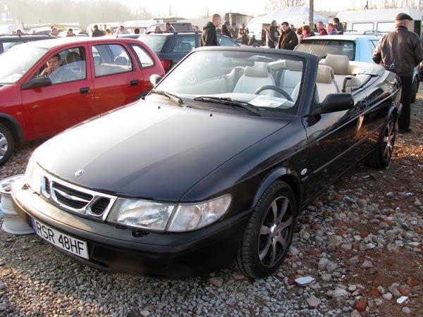 Saab 9-3Silnik 2,0 benzyna. Rok produkcji 1997. Wyposazenie: pelna opcja oprócz nawigacji satelitarnej. Cena 16500 zl.