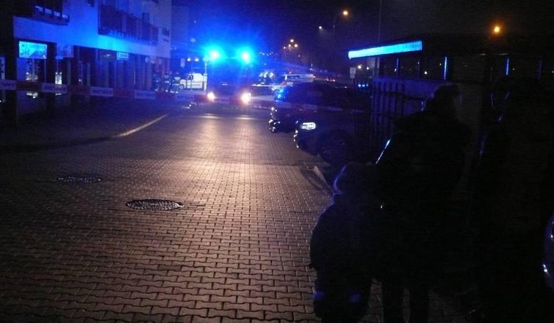 Wybuch w bloku przy ulicy Zbrowskiego. Poparzona kobieta w szpitalu. Mieszkańcy ewakuowani [NOWE FAKTY]