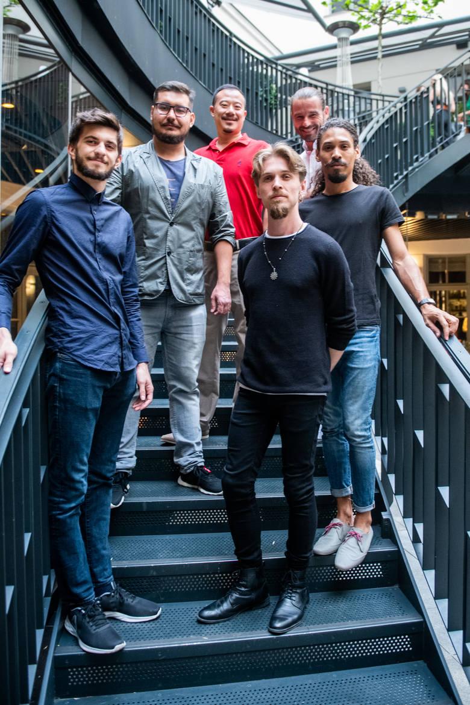 Odtwórcy głównych ról wraz z reżyserem i producentem. Od lewej: Daniel Mavrov, Alexander Nabiulin, Jason T.Madicus, Gabriel Rodak, Paweł Sakowski i Otto Sinclair<br />