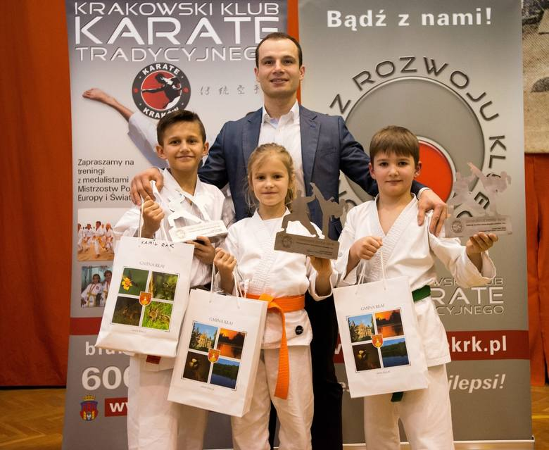 Nagrody, pokazy walk - krakowscy karatecy podsumowali sezon [ZDJĘCIA]