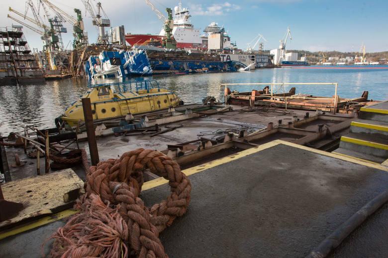 Po wypadku Stoczni Remontowej Nauta w Gdyni. Trwa szacowanie strat [WIDEO,ZDJĘCIA]