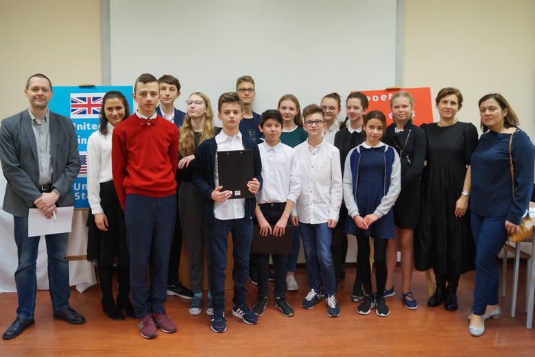 II LO w Białymstoku. XV Targi Edukacyjne i Dzień Nauki i Języków Obcych (zdjęcia)