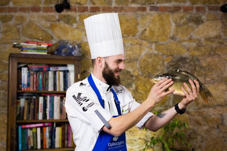 Kamil Klekowski opolskiego karpia odkrył w 2017 roku i postanowił go przyrządzić na festiwal kuchni lokalnej