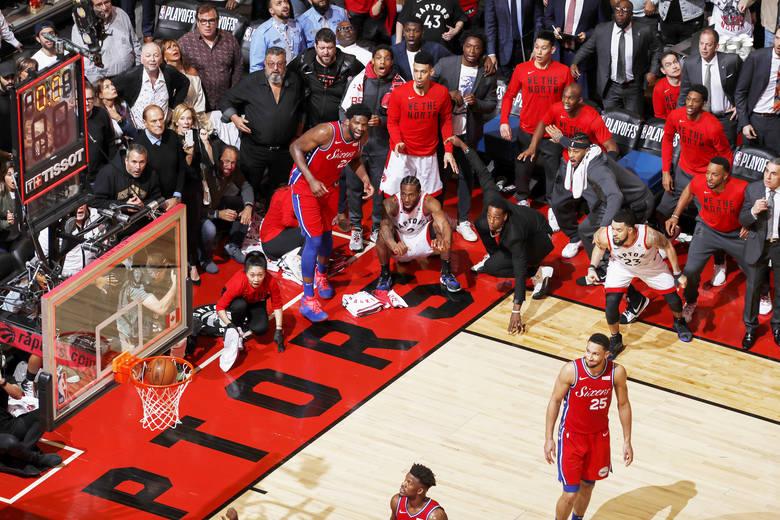 Najlepsze pojedyncze zdjęcie sportowe rokuKawhi Leonard's Game 7 Buzzer Beater Fot. Mark Blinch, Canada, dla NBAE