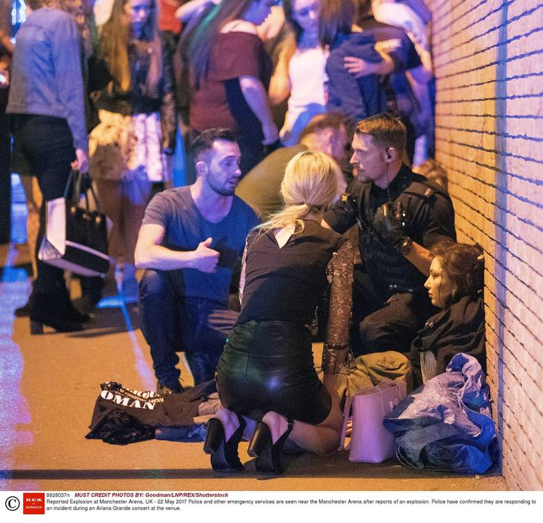 Wielka Brytania: Zamach w Manchesterze po koncercie Ariany Grande [ZDJĘCIA] [WIDEO]