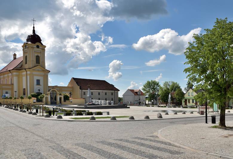 Rynek 11 Listopada w Choroszczy