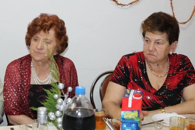 W świetlicy wiejskiej w Niemicy(gmina Malechowo) odbyła się niezapomniana impreza sylwestrowa zorganizowana przez sołtys Agatę Zawadzką. Wszyscy w szampańskich