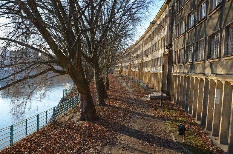Oto najpopularniejsze we Wrocławiu miejsca dla filmowców. Zobaczcie jakie filmy i seriale kręcono w tych miejscach - posługujcie się klawiszami strzałek,
