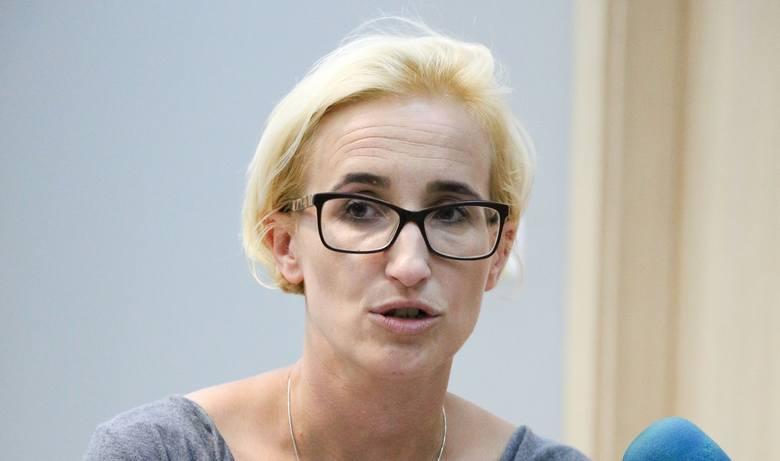 Karolina Garbacik, tancerka, choreografka, pedagog tańca, wykładowca i nauczycielka. Właścicielka i założycielka Studia Działań Kreatywnych Dance OFFnia