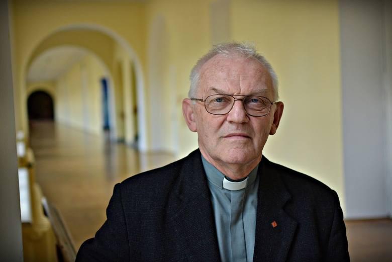 Ks. prof. Andrzej Szostek: - Zawsze pierwszą, normalną i  uczciwą reakcją jest próba dotarcia do prawdy