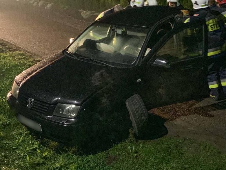 Do zdarzenia doszło w czwartek o godz. 22 w Drohojowie (gm. Orły) w pow. przemyskim tuż przed miejscowością Zabłotce. Na wąskiej drodze kierujący audi