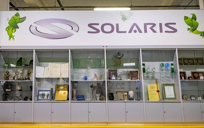 Pracownicy wielkopolskich firm: Solarisa, Volkswagen, Amazona obawiają się zakażenia koronawirusem. Chcą, by produkcja została wstrzymana, a zakłady zamknięte.<br />