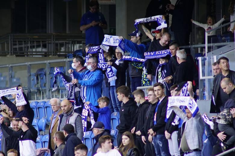 Podczas ostatniego meczu sezonu 2020/2021 Lech Poznań - Górnik Zabrze (1:1) na trybunach pojawili się kibice. Starcie Kolejorza z Górnikiem oglądało